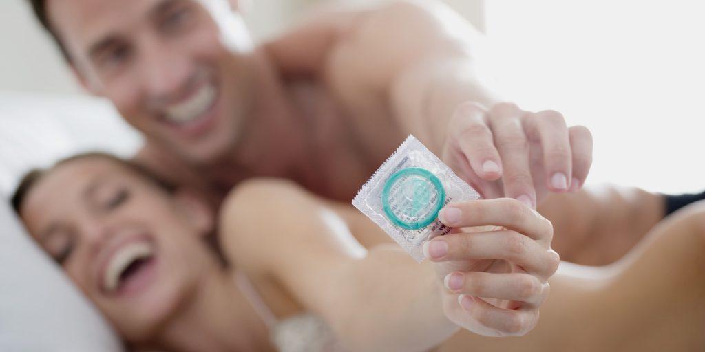 Ngừa thai bằng cách sử dụng bao cao su