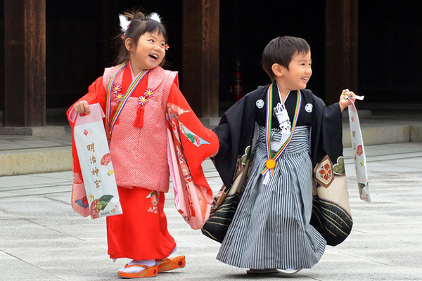 bí quyết nuôi dạy con thông minh của người Nhật