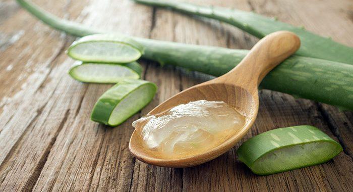 chữa rạn da sau sinh với gel nha đam
