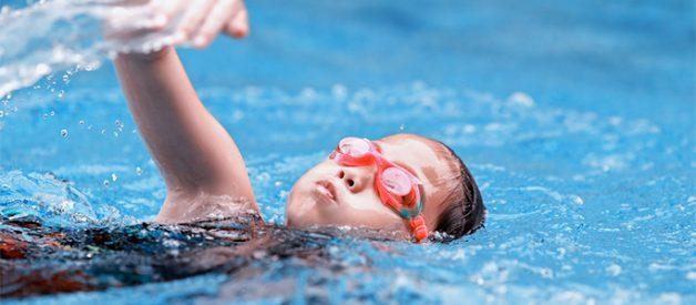 lưu ý khi dạy con tập bơi