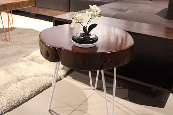 Mẫu bàn này trong danh sách bàn trà gỗ giá rẻ Hà Nội khá đặc biệt